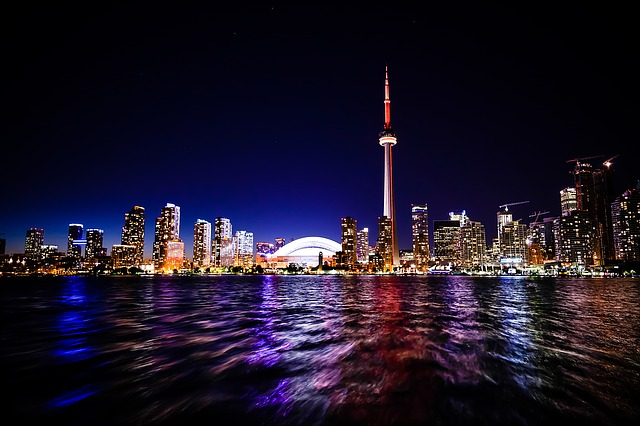 Many foreign nationals who want to move to Canada to get a new job work with the private Canadian immigration service